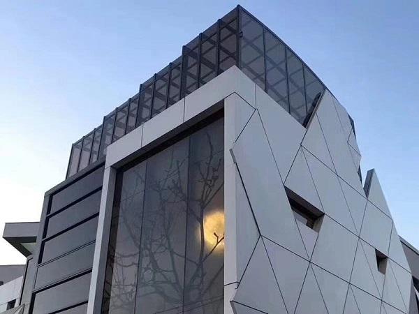 氟碳铝单板有无限发展空间