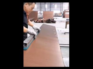 手工拉丝铝单板视频